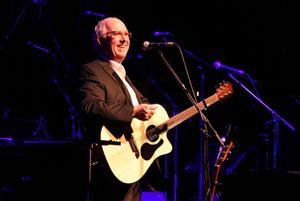 Clive Gregson (Solo Farewell Tour)