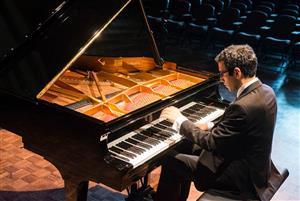 Summer Serenade – Gamal Khamis & Alex Gonzales