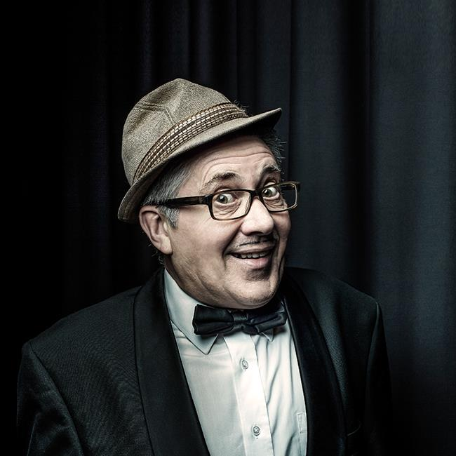 Count Arthur Strong – Somebody Up There Licks Me!