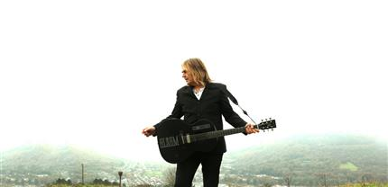 Mike Peters presents: The Alarm - Hurricane Of Change *