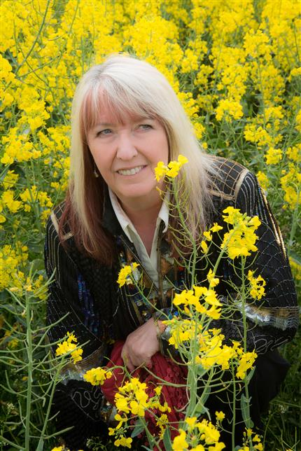 Maddy Prior In Concert with Hannah James and Giles Lewin *