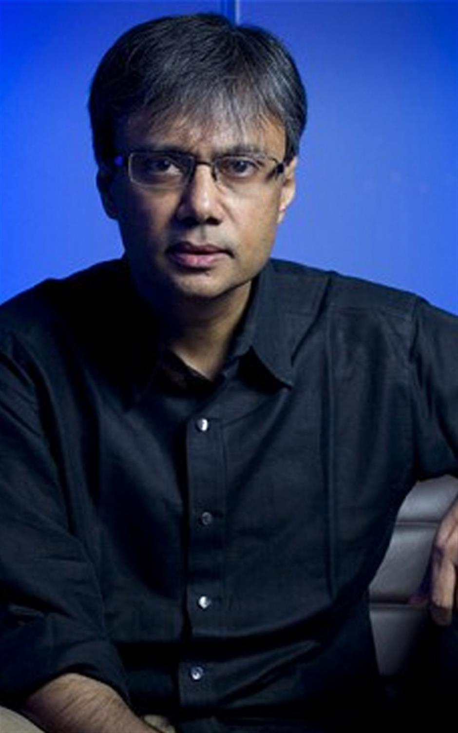 Amit Chaudhuri in conversation with Mukulika Banerjee