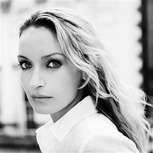 Lisa Hilton: Elizabeth- Renaissance Prince