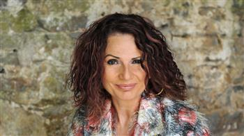 Grounds and Chaconnes: Joanna MacGregor