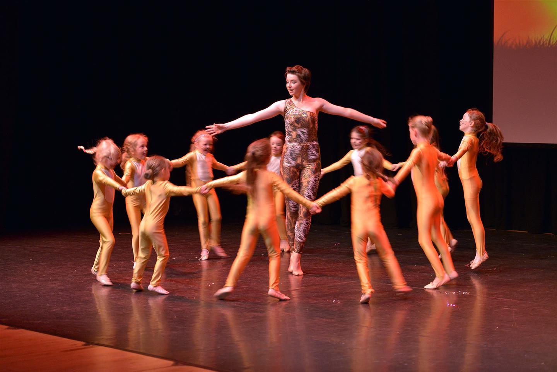 Gillian Jones Dance Academy Dance Extravaganza 2019
