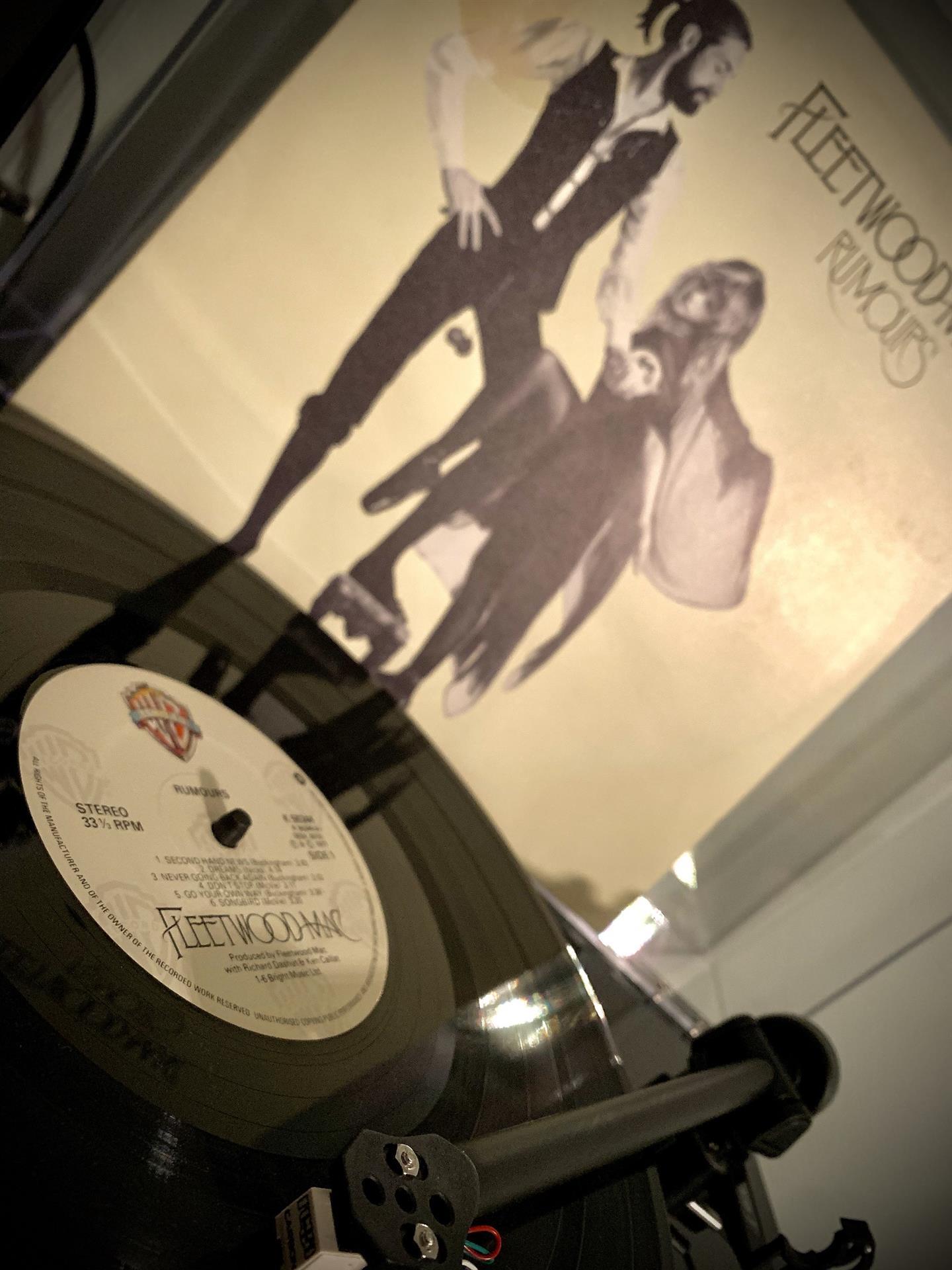 VINYL ISLAND  – FLEETWOOD MAC-RUMOURS - RALPH S RECORD CLUB