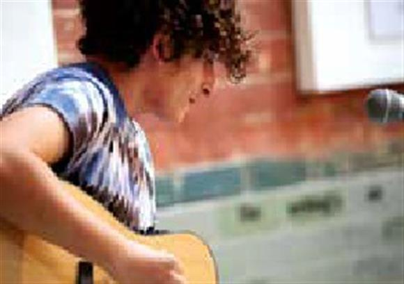 Saturday Sessions: Free Live Music - Double Take Jazz guitar duo