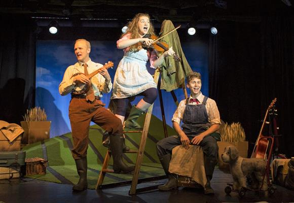 Scamp Theatre: The Scarecrows' Wedding