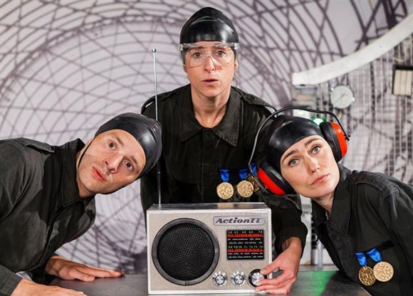 Action Transport Theatre: Statik