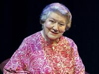Facing the Music: A Life in Musical Theatre - Patricia Routledge & Edward Seckerson