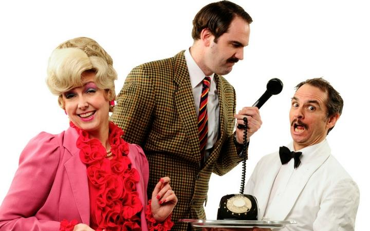 Faulty Towers – The Dining Experience Feb2018