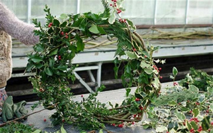 Nowton Park Wreath Workshop image