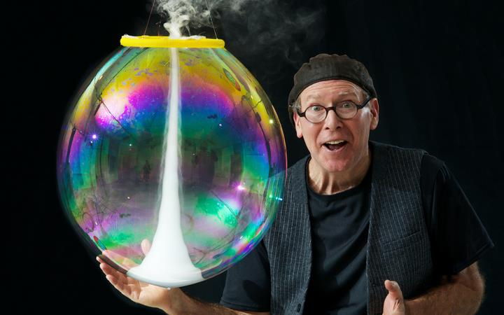 The Amazing Bubble Man image