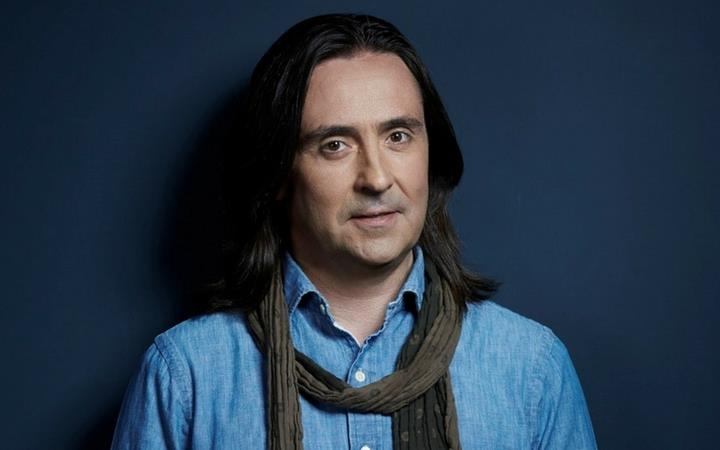Neil Oliver 'The Story of the British Isles in 100 Places' image
