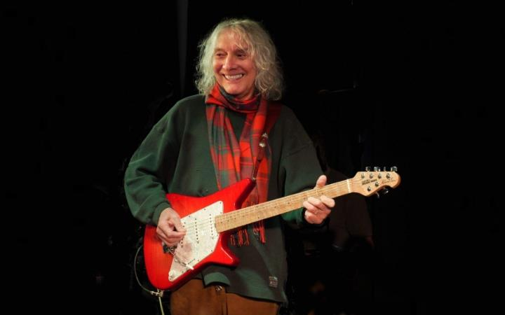 Albert Lee image