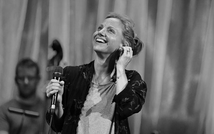 Liza Pulman - To The Heart Of It image