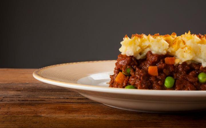 Cottage pie and a glass of wine - Barry Steele & Friends