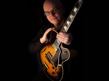 Featured image for Jazz Cafe featuring Colin Oxley (guitar)